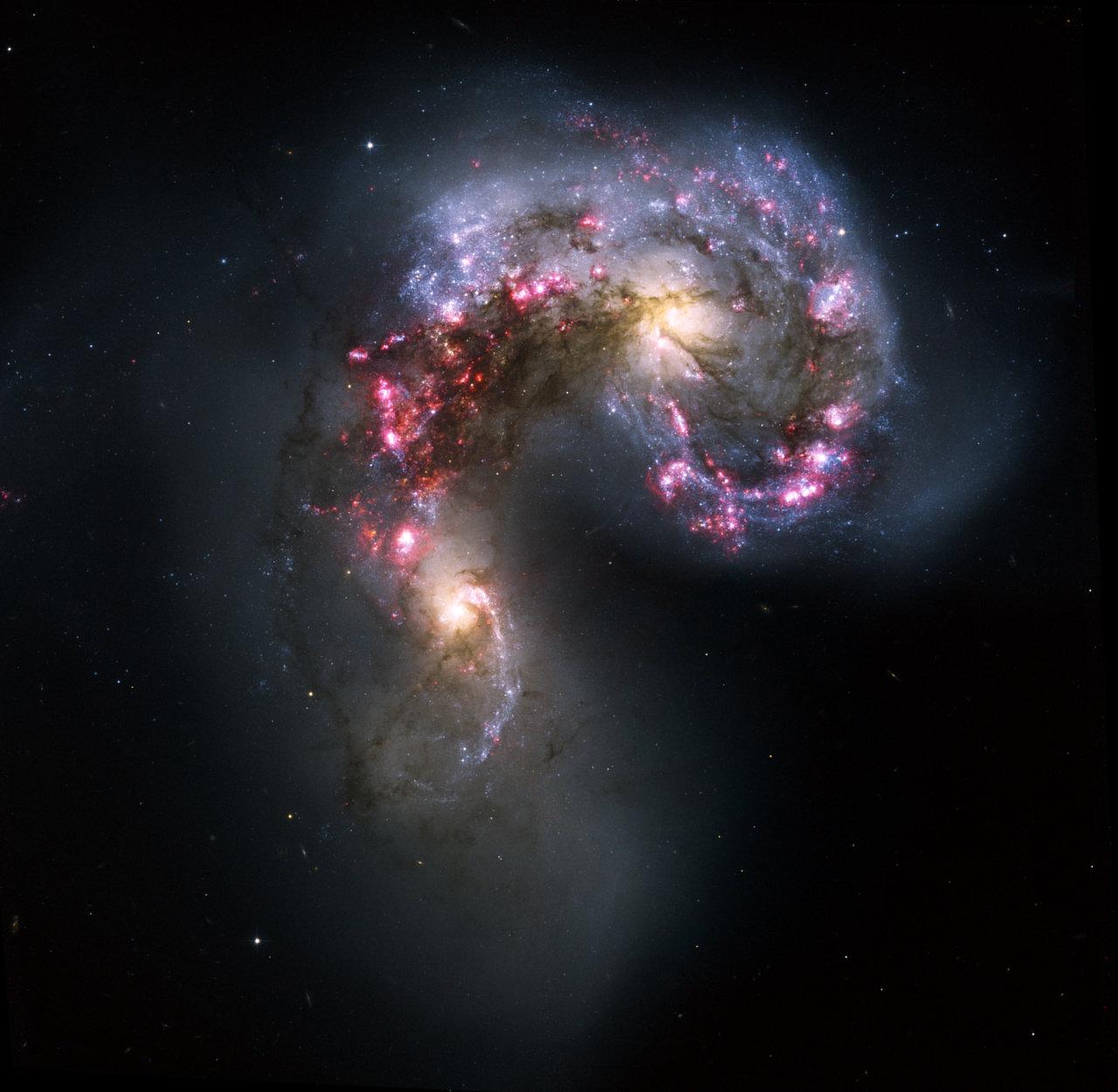 NCG 4038 and NGC 4039 | ESA/Hubble