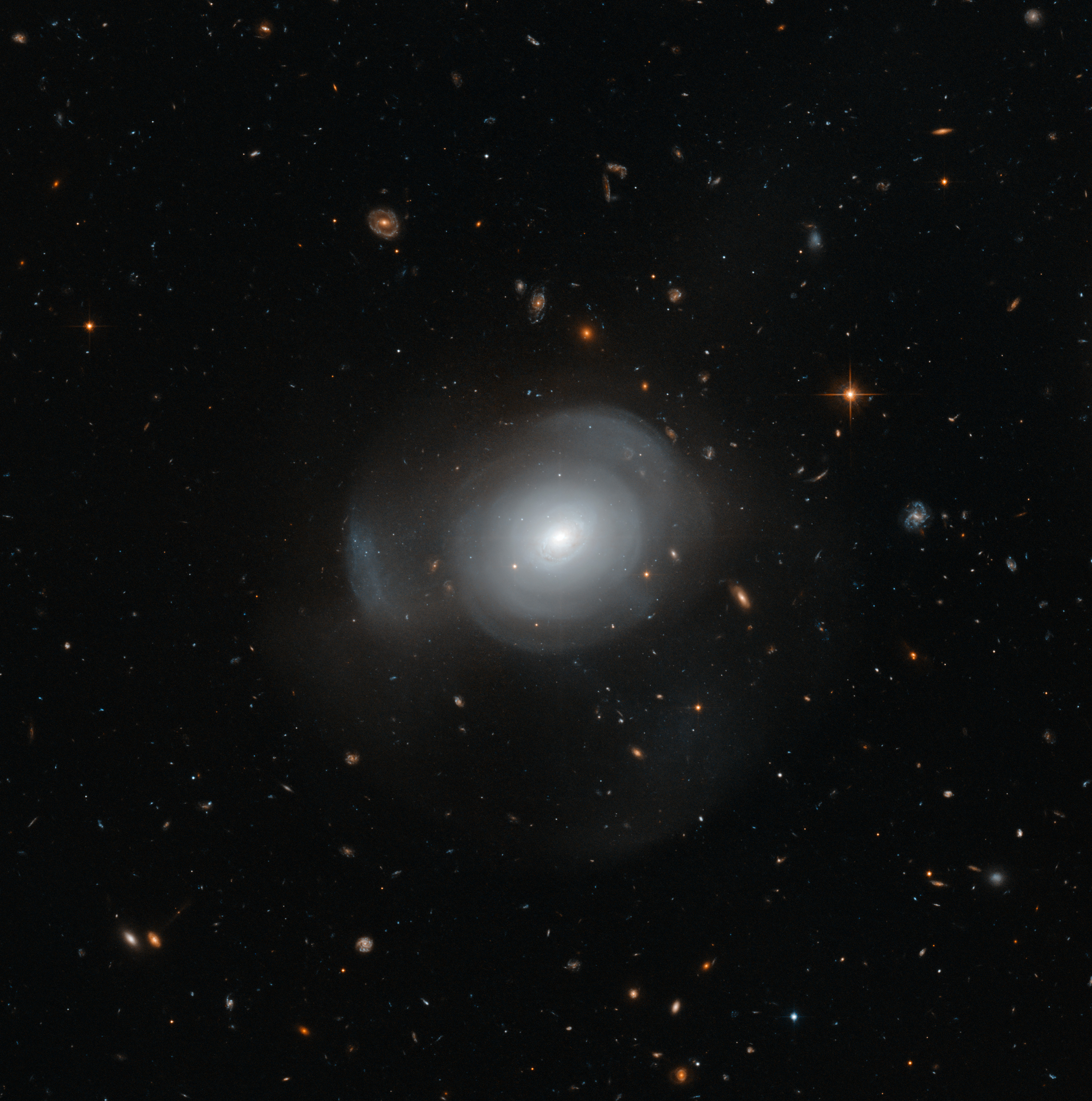 Hubble image of PGC 6240 | ESA/Hubble