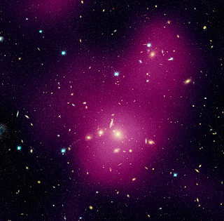 Hubble maps dark matter web in a large galaxy cluster (individual image 1)