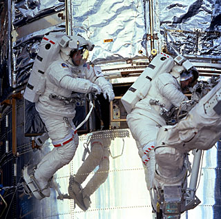 SM3A: Foale and Nicollier on Spacewalk