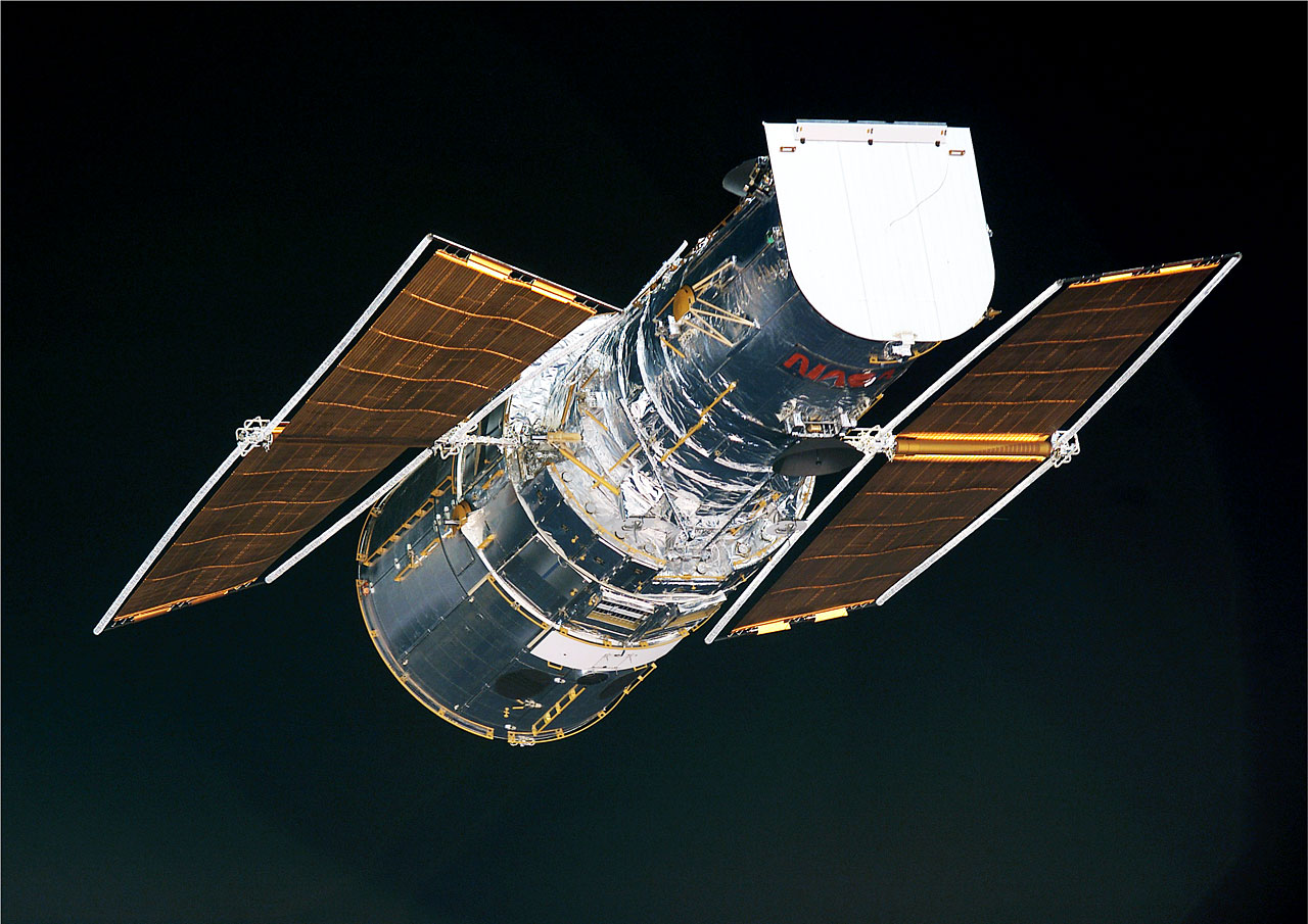 Hubble S Solar Arrays Behind The Scenes Esa Hubble
