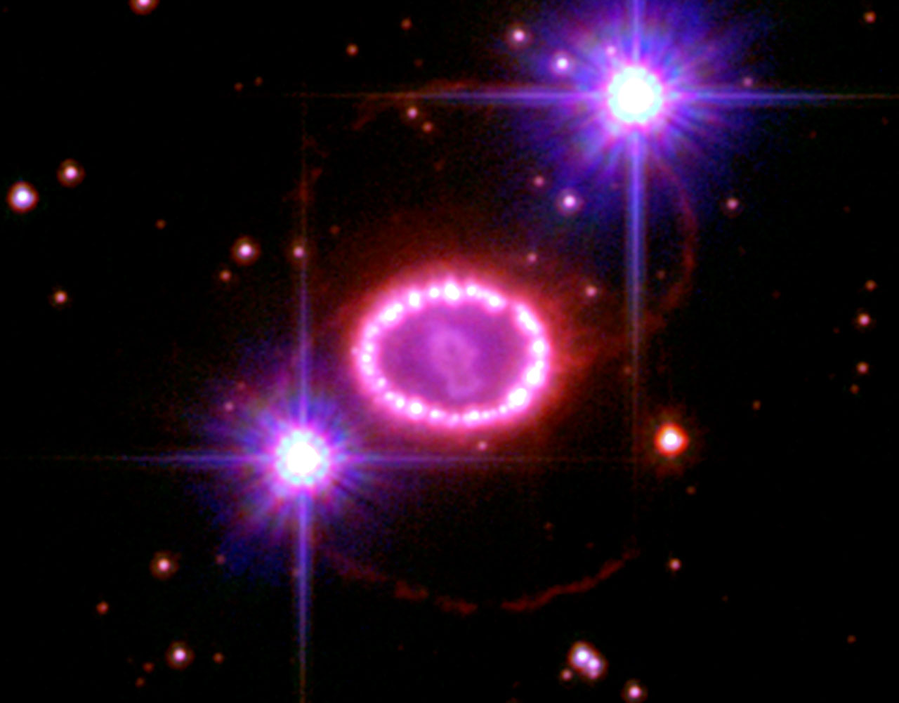 A String of 'Cosmic Pearls' Surrounds an Exploding Star ...