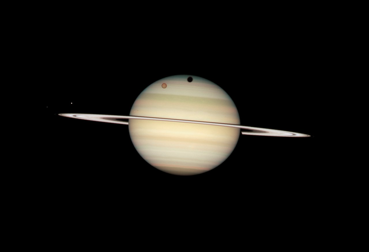 hubble images of saturn - photo #9
