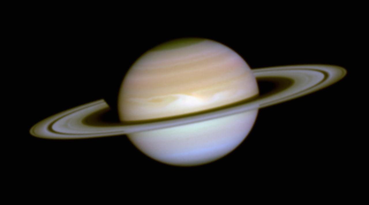 The Aurorae on Saturn   ESA/Hubble