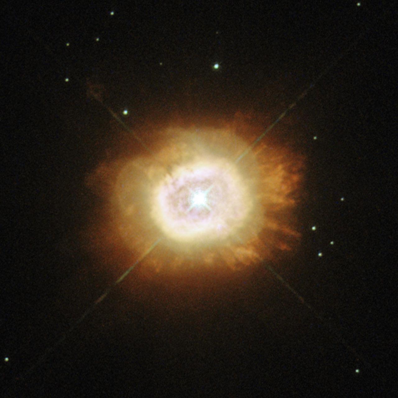 фотографии солнца хаббл двести лет рождения